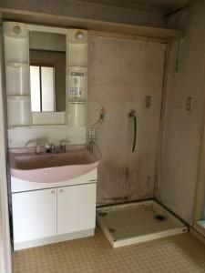 リノベーション前洗面化粧台