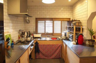 夫婦で立つこだわりキッチン インナーテラスで優雅にカフェタイム