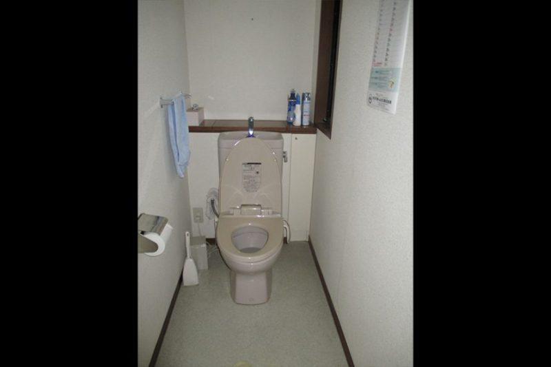 2階トイレb