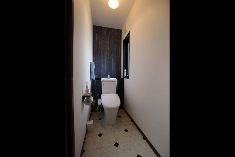 2階トイレa