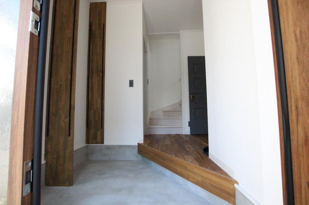 玄関の上がり框