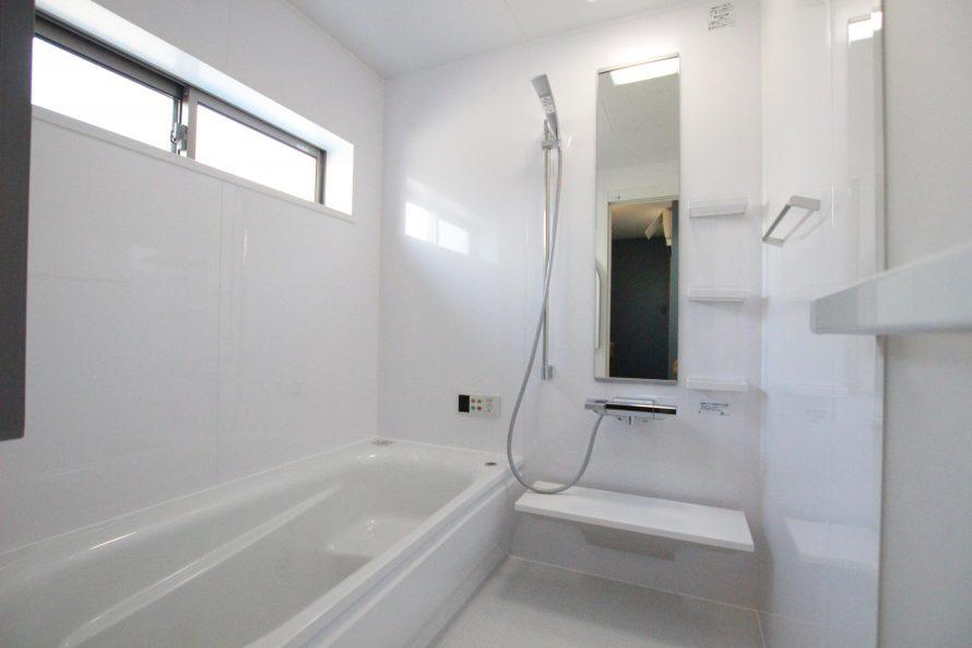 自動湯沸かし器付きの浴室に変身