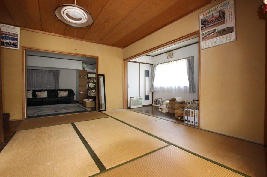 1階和室から洋室が繋がっています。