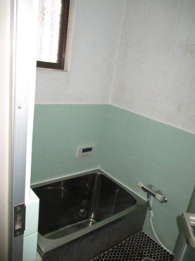 浴槽ビフォー