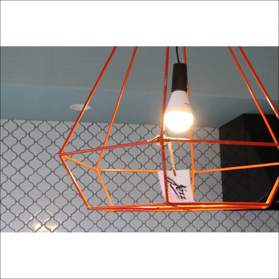空間が広いため電球の交換も比較的楽です。