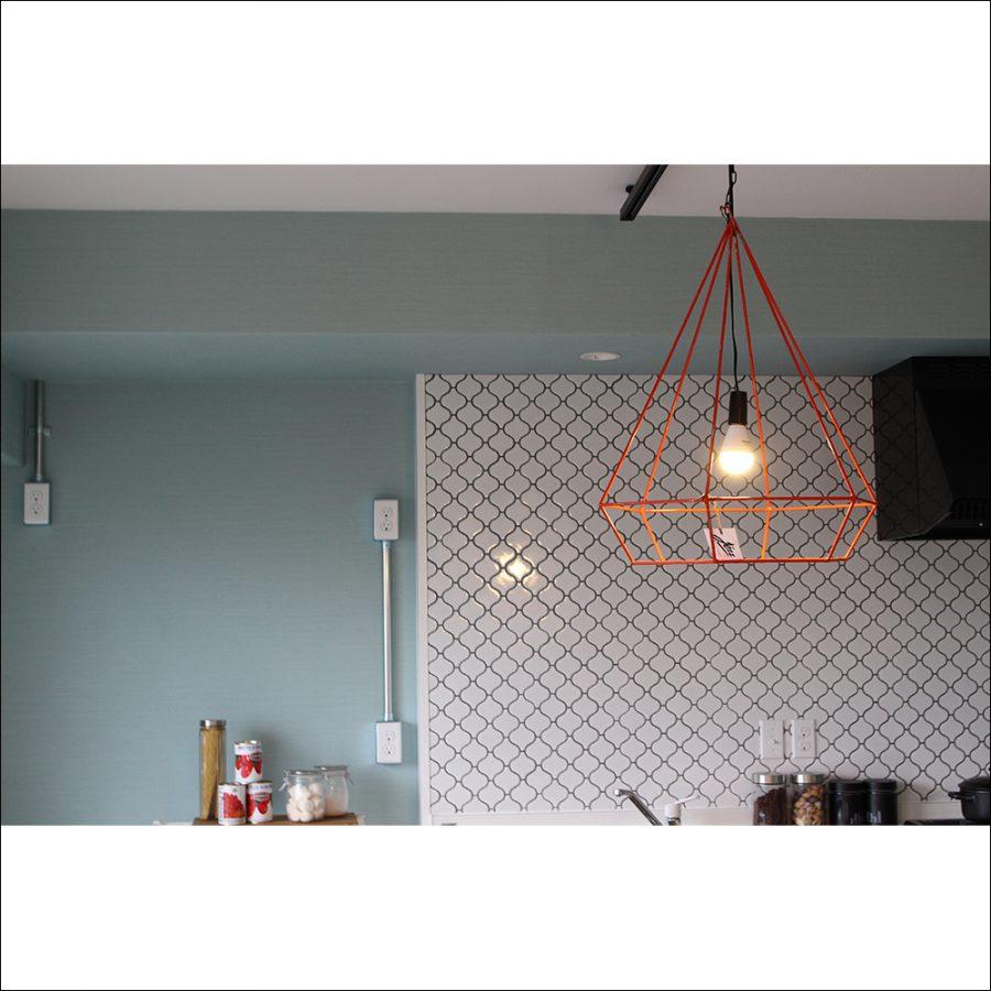 キッチンを明るく照らします。