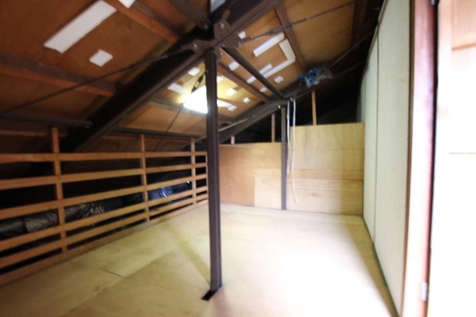 屋根裏スペース