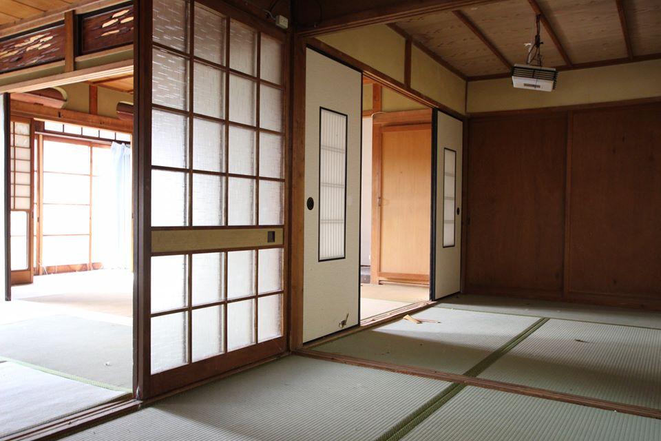 和室に縁側
