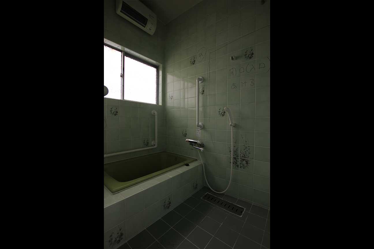 浴室・洗面→洗面横の黄色のウォークインクローゼット(1)_before