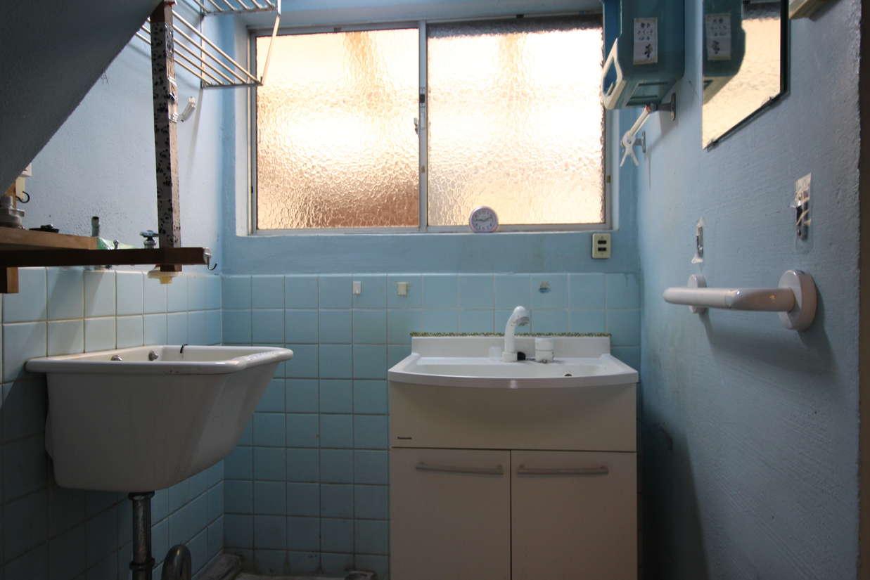 浴室・洗面→洗面横の黄色のウォークインクローゼット(2)_before
