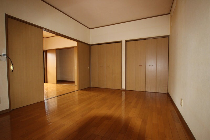 収納が多い洋室